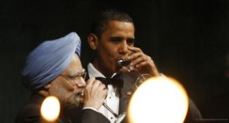 Pix: Obama throws a party for Dr Singh