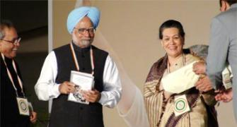We made CMs resign over corruption, can BJP, asks Sonia