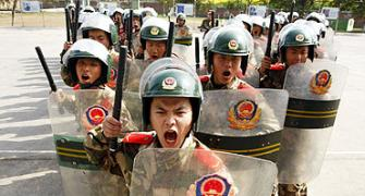 Chinese army crosses border, threatens Indian workers