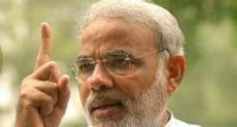 Soniaji has no knowledge about Gujarat, says Modi