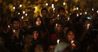 Delhi rape: Thousands light candles across India