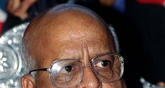 T N Seshan, who gave teeth to poll panel, is dead