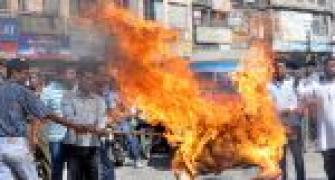 Fresh violence in Assam, CM's effigy burnt