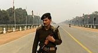 Terror threat on Republic Day, Delhi Police launch manhunt