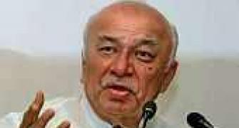 Defamation case against Shinde for 'Hindu terror' remarks