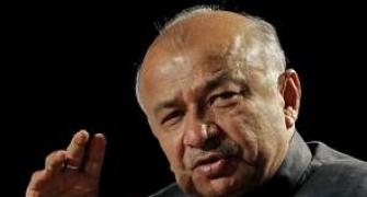 13 bombs were planted in Mahabodhi temple: Shinde