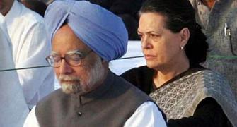 Court notices to PM, Sonia, 6 ministers over AP division