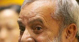 Writer Ananthamurthy takes a U-turn; won't leave India if Modi is PM
