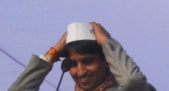 Kumar Vishwas files FIR against UP Congress leader