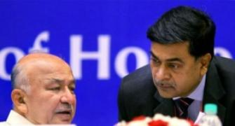Shinde dares R K Singh, AAP to give proof of corruption