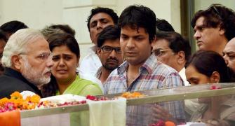 RIP Gopinath Munde: Leaders pay tribute