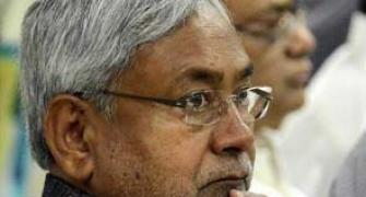 Nitish talks to Lalu to bail out JD-U nominees in RS bypoll