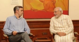 Omar meets PM, seeks special rehab package for flood-hit