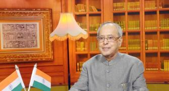 Institutions of democracy under stress, says Pranab in I-Day speech