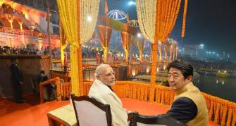 Modi, Abe attend Ganga Aarti at Varanasi