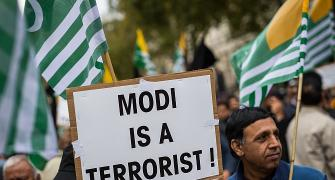Hundreds protest against Modi's UK visit