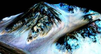 Stunning PHOTOS: There's flowing water on Mars