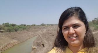 Pankaja Munde faces flak over 'drought selfies'