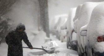 Deadly blizzard hits US east coast, 9 killed