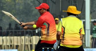 Akhilesh Yadav shows who the boss on cricket pitch is
