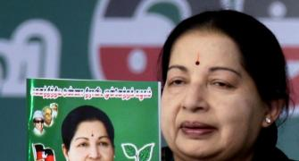 Gold, cellphones, gift coupons: It's raining freebies in Amma's manifesto