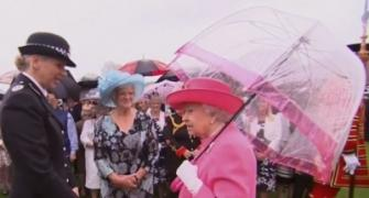 Queen filmed saying Chinese officials were 'very rude'