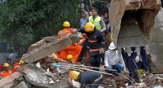 12 killed, 11 injured as building collapses in Mumbai