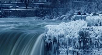 It's so cold in America, Niagara Falls has frozen over!