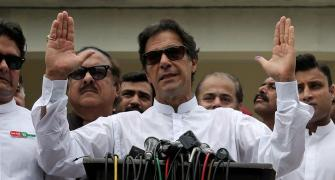 Amid 'rigging' claims, Imran Khan inching closer to become Pak's Wazir-e-Azam