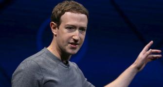 Zuckerberg says sorry for Facebook 'mistakes' with user data