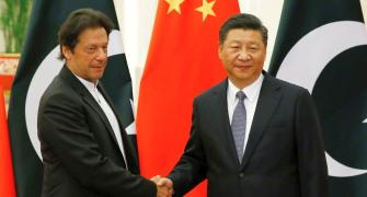 Imran meets Xi; secures USD 6 bn Chinese package