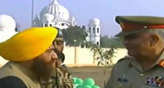 Pro-Khalistan leader seen with Pak army chief at Kartarpur ceremony