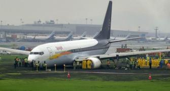 SpiceJet overshooting: 2 pilots banned for a year