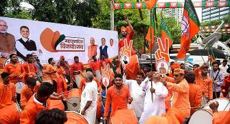 BJP-Sena retain power in Maha; Haryana a hung house
