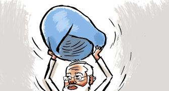 Economic crisis: 'Modi should consult Manmohan'