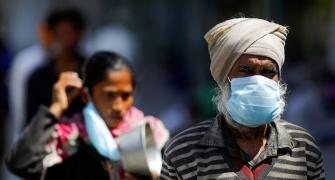 Airborne coronavirus: 'Wear mask for longer time'