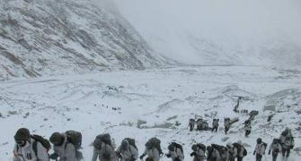 Harsh winter forces Chinese to rotate troops at LAC