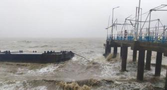 Amphan: Heavy rain, winds hit Bengal, Odisha