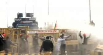 Farmers' protest: Water cannon used on protesters