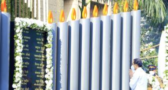 PHOTOS: Mumbai pays tributes to 26/11 martyrs