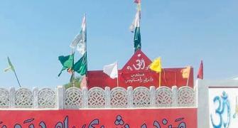 Reconstruct vandalised Hindu temple, orders Pak SC