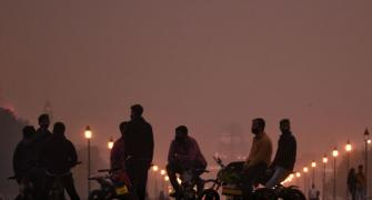 Pollution puts Delhi's air quality near 'severe' zone