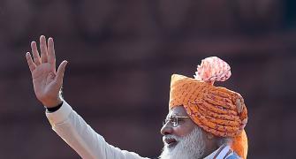 Modi continues turban tradition for I-Day