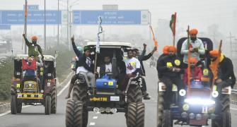 Govt withdraws plea against farmers' tractor rally