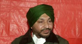 Cong MP assaulted at Singhu border, turban pulled off
