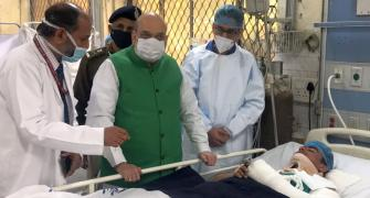 Amit Shah meets cops injured in R-Day violence