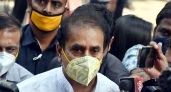 CBI books ex-Maha HM Anil Deshmukh, conducts searches