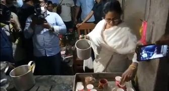 SEE: Mamata makes tea at stall in Nandigram