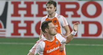 Taekema hat-trick helps Dutch drub Argentina