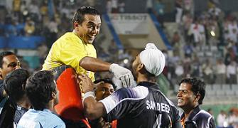 Indian hockey must emerge from cricket's shadow